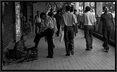 Life in a Metro. (flyfiddlesticks) Tags: trip india streetphotography september kolkata calcutta westbengal in 2011 cityofjoy flyinfiddlesticks