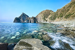 Blue stream in clear sea (-TommyTsutsui- [nextBlessing]) Tags: blue light sea sky seascape beach nature rock japan stone landscape coast nikon tide scenic shore  islet hdr izu  ndfilter matsuzaki  sigma1020    onsalegettyimages