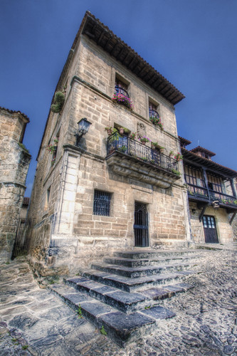 Stairs and house. Santillana del Mar, Cantabria. Escaleras y casa