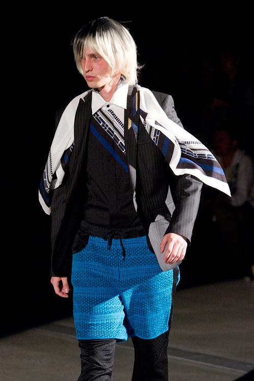 SS12 Tokyo yoshio kubo023_Rutger Derksen(Fashion Press)