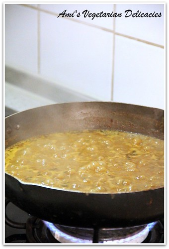 Simmering gravy for Dal Makhani