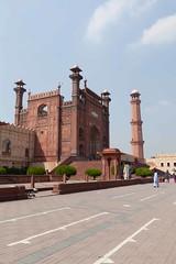Badshahi-47.jpg (Chris_Hoskins) Tags: city travel pakistan asian ancient sandstone asia muslim faith mosque punjab lahore citycentre emperor badshahimosque mughal redsandstone emperoraurangzeb mughalemperoraurangzeb