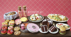 Miniature Food - Filled Table (PetitPlat - Stephanie Kilgast) Tags: red cake miniatures cookie candy donut doughnut minifood dollhouse gateau chocolatecake kuchen macarons miniaturefood fauxfood miniaturen oneinchscale petitplat stephaniekilgast