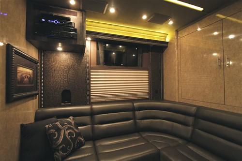 Arrowhead - Rear Lounge