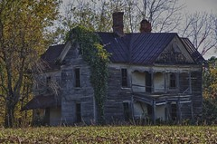 Abandoned Farm House (Ken'sKam) Tags: old autumn house fall abandoned halloween farmhouse farm oldhouse abandonedhouse tinroof rustyroof