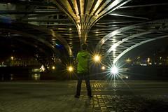 HOLLYWOOD (Imbert Guillaume) Tags: portrait orange pose lyon lumire vert exposition pont flares fer toiles bras pistecyclable pav poselongue cordelier