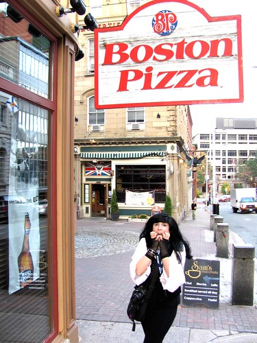 Hal-Con Sci-Fi, Fantasy & Comic Convention Sponsor and Foodie Hero Boston Pizza