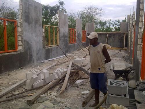 pembangunan fondasi TK Panti Roslin