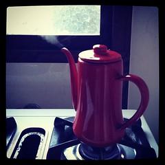 冬の朝の光景。 風邪っぽいのでゆず茶飲む。