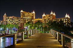 Bridge to the Royal Towers @ Atlantis #Atlantis #Bahamas (Alan Rappa) Tags: bridge hotel resort atlantis bahamas nassau paradiseisland royaltowers bridgesuite