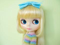 Melody Star (Helena / Funny Bunny) Tags: alpaca knitting doll knit pastels blythe cardigan rbl funnybunny solidbackground hoshinonamidahime melodystar fbfashion