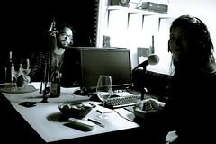 Hablando de la sangre de Cristo en la radio y en la web