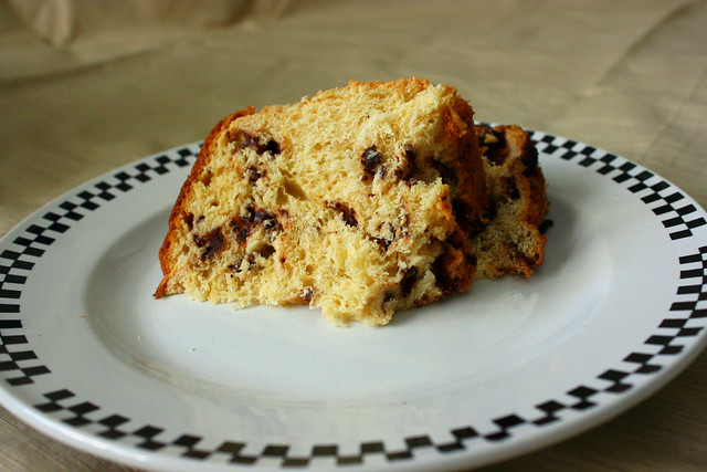 Bauducco Panettone with Hershey chocolate Specialty Cake