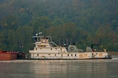 Leslie M. Neal (Joe Schneid) Tags: boat kentucky transportation louisville barge ohioriver towboat schneid inlandwaterway inlandwaterways americanwaterways crounsecorp lesliemneal joeschneid