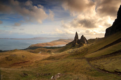storr (Paddy McDougall) Tags: sea clouds canon scotland isleofskye sigma hills 7d 1020 lanscape oldmanofstorr cokin storr circularpolariser nd8