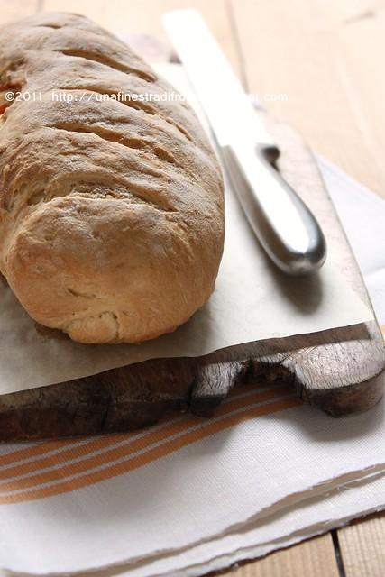 Pane farcito con salmone affumicato