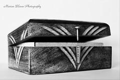 La caja (Marian Blasco fotografa) Tags: espaa spain olympus caja bn toledo taco cierre tornillo castillalamancha e510 madoz madozinspiration marian2705 marianblasco