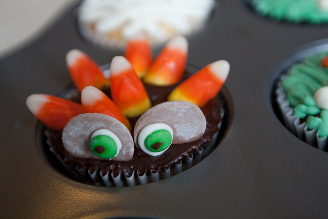 Peeking Monster Cupcake