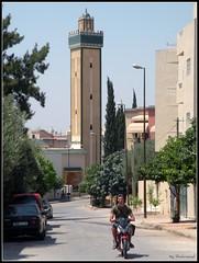 Hay Oued Fès (Shahrazad26) Tags: minaret mosque morocco fez maroc mezquita marokko moskee fès moschee