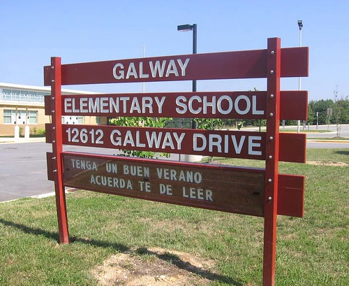 Galway Elementary School Sign (In Spanish)