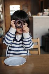 [フリー画像素材] 人物, 子供 - 女の子, 覗く, 日本人 ID:201111100600