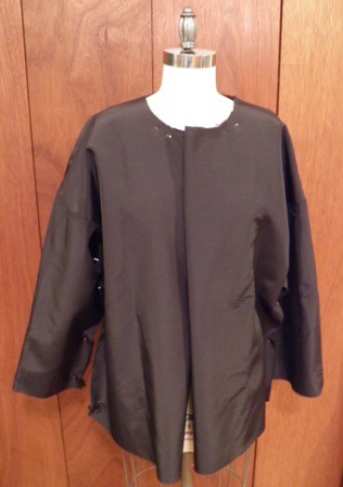Black double cloth raincoat