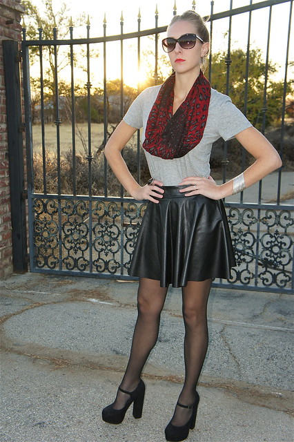 Casual fall outfit with leather skirt