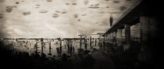 l'ducation (laboratoire de l'hydre) Tags: old mer lagune silhouette ghost ombre venise flou rochers jete ancien spia ocan digitalcameraclub marcage