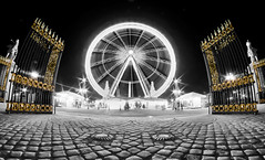 Golden Door [Flickr Explore] (A-lain W-allior A-rtworks) Tags: sky paris fountain night 35mm dark gold nikon iron raw noir or grand ciel concorde nikkor fontaine nuit mange hdr fer roue portail d300s mygearandme dblringexcellence tplringexcellence