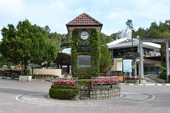 Clock tower in Fraser hill (Christophe Maerten) Tags: cloud bird forest highlands hill watching vogels malaysia fraser oiseaux bukit peninsular burung maleisi schiereiland nevelwoud lunnit malaysiathailand2011