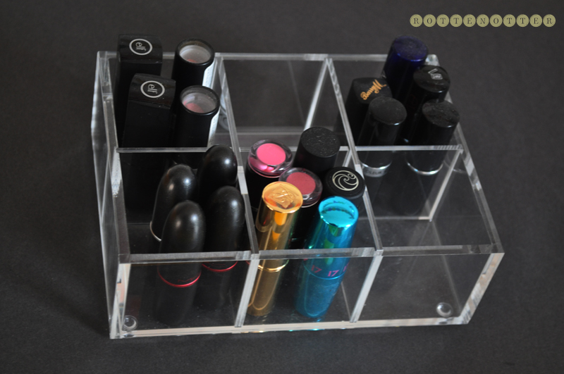 how i store lipsticks and every day products 04