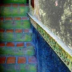 hazy green stairway (msdonnalee) Tags: architecture stairs mexico steps stairway treppe escalera mexique scala escada escalier mexiko treppen messico escala     photosfromsanmigueldeallende fotosdesanmigueldeallende