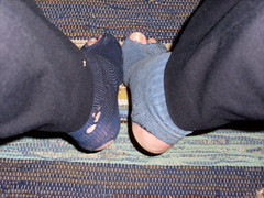 Kallt (lasseman92) Tags: broken socks out big sock toe hole bad dirty holes holy odd terrible worn torn heel cry trasig hobo hollow ragged tattered wornout holey inherited hl froozen coold t holysock strumpa straff luffar sockholes strumphl utslitna
