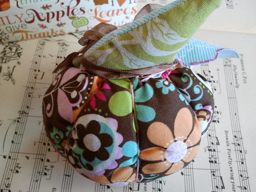 Pumpkin Petite Inspiration Box (Fabric Pumpkin) from Stevie