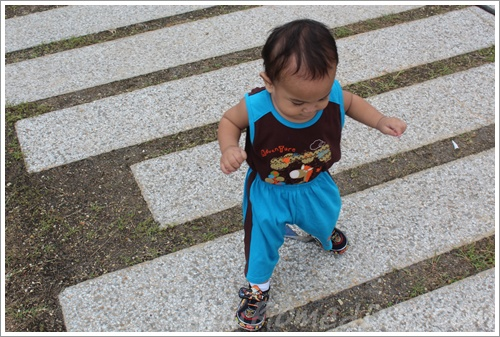Baby Aslah walking