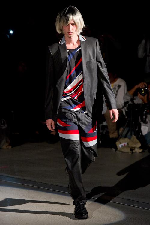 SS12 Tokyo yoshio kubo001_Rutger Derksen(Fashion Press)