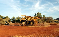 Mining Truck in Tom Price (Stefan Jrgensen) Tags: sony australia wa dslr westernaustralia pilbara 2011 a700 tomprice