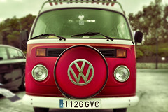 The hippie road tripper ... with love&peace (Jota80) Tags: volkswagen 60s d70 coche 70s hippie van furgoneta t2 sesenta setenta furgn hipy blinkagain
