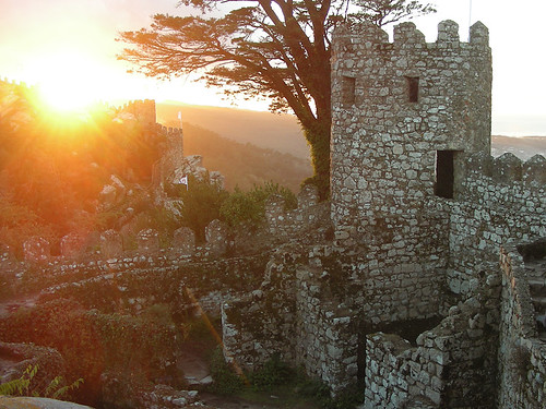 Hle, Sintra! aneb Západ slunce z Castelo dos Mouros