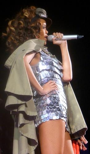 rihanna - bercy 2011 - 28