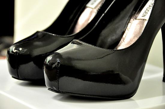 Steve Madden Black Pumps / Platform Heels