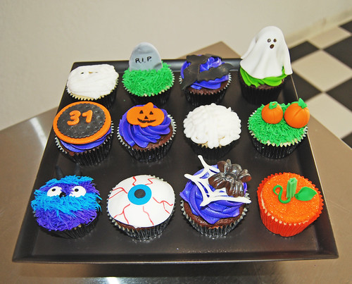 Simply Sweets Hallloween Cupcakes Class