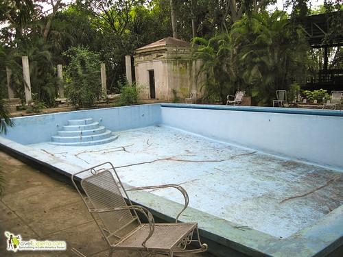 Famous Hemingway's Pool - Ava Gardner - Cuba