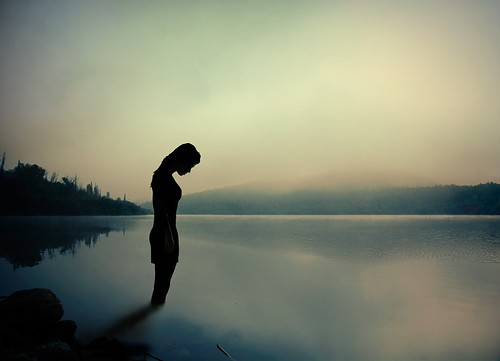 fog,girl,lake,morning,nature,alone-e85dcaa81b7ae0697820f4a77bc6a5a9_h