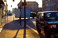 Grillexpress Berlin (electrigger) Tags: shadow backlight sonnenuntergang sundown dusk grill damen contrejour imbiss imbisswagen pfitze