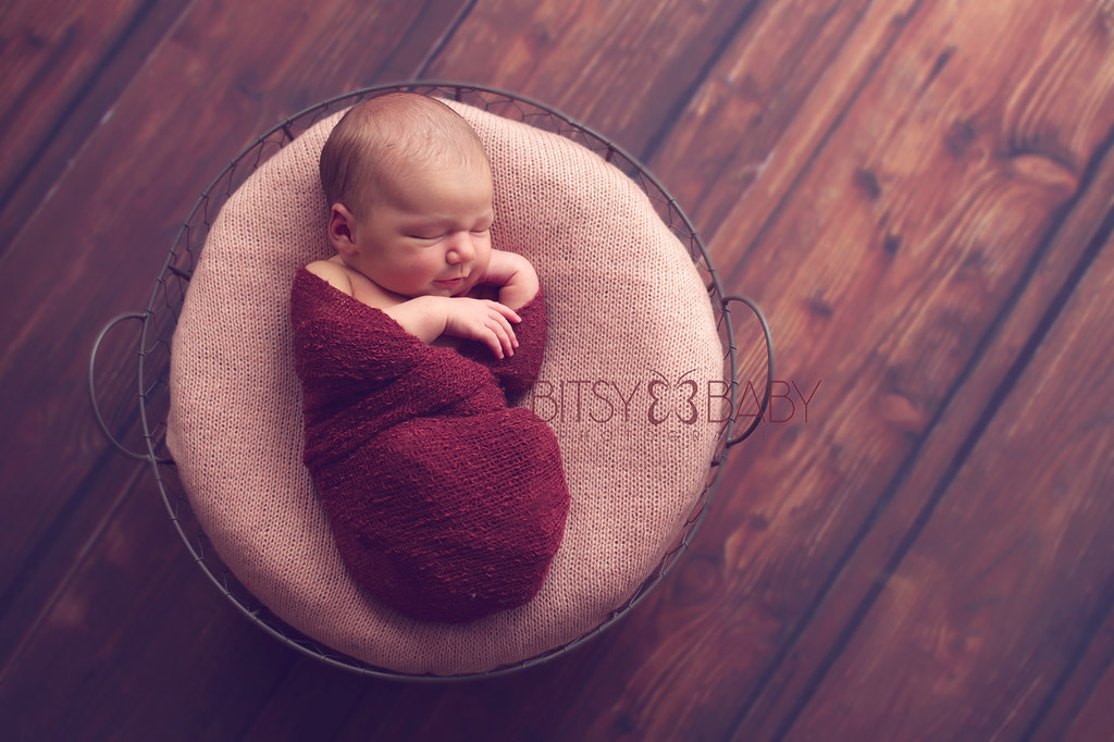 newborn photography baby smiling