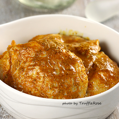 塔金料理。橄欖、杏桃燜煮雞大腿搭黃瓜北非米-111109