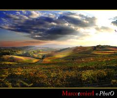 Tramonto sul Chianti (Toscana) (marcorenieri) Tags: panorama italia tramonto nuvole campagna cielo tuscany chianti siena toscana uva autunno colori viti castellina mygearandme