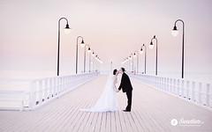 swietliste-fotografia-slubna-dla-wymagajacych-plener-Gdynia-orlowo-molo-wschod-słońca