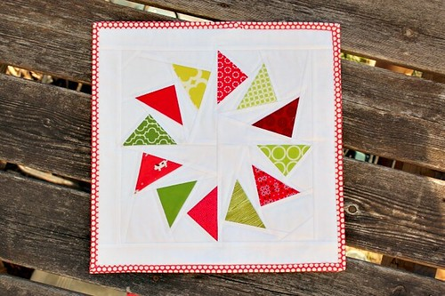 christmas mini quilt.